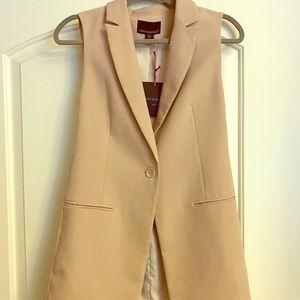 Blush Sleeveless blazer
